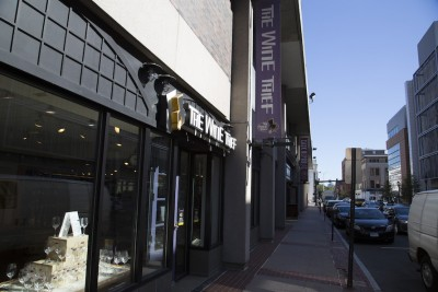 The Wine Thief, voted the best wine shop in New Haven, is one local business that gives a discount for residents of Corsair, new luxury apartments in New Haven, Connecticut.